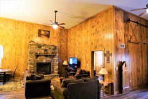 Living Room - The Barn at Whitetail Ridge Lodge